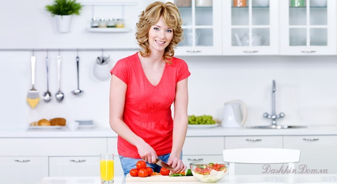 Woman preparing food in the kitchen