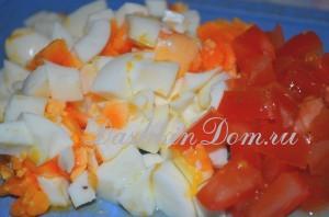 яйца и помидор для салата