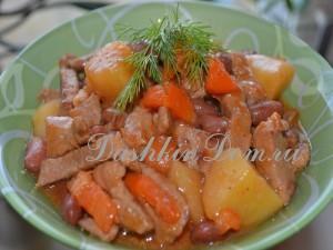 мясо с овощами и фасолью